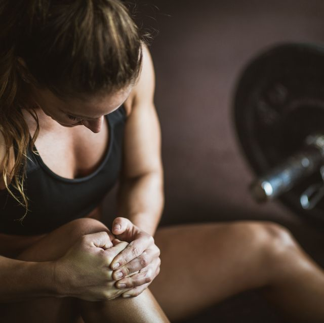 Pain in knee on sports training!