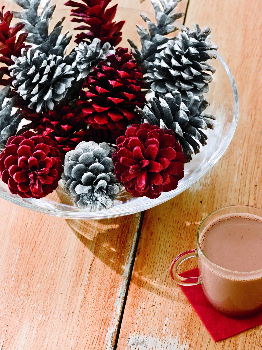 Christmas Floating Tea Cups.38 Diy Christmas Table Settings And Decorations