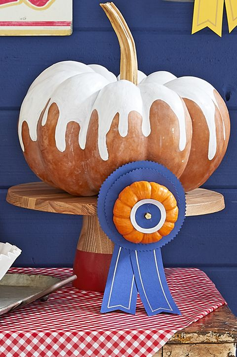 painted pumpkins bundt cake