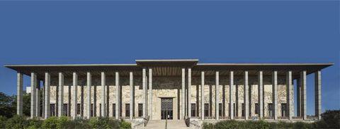 Architecture, Building, Column, Facade, Classical architecture, Historic site, House, Ancient roman architecture, Ancient greek temple, Court,