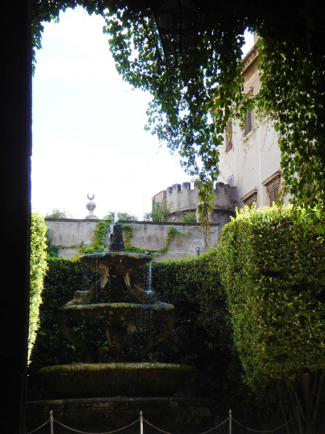 palazzo taverna roma