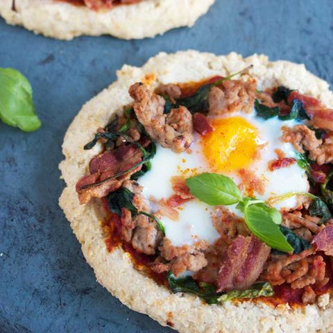 Paleo breakfast pizza