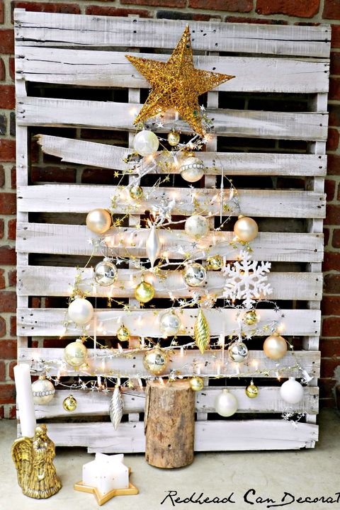 Pallet Christmas Tree String Lights