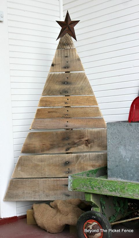 Wood Pallet Christmas Tree.20 Pallet Christmas Tree Ideas Diy Wood Christmas Tree Plans