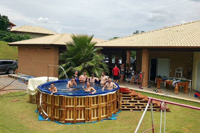 Pallet Swimming Pools Are All The Rage Swimming Pools Made