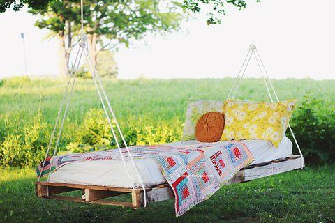 pallet swing bed backyard diy