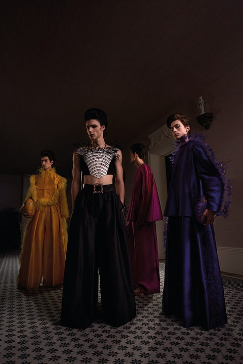 Fashion, Outerwear, Dress, Costume, Drama, Darkness, Event, Performance, Performing arts, Costume design,