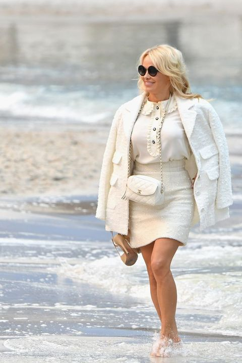 Pamela Anderson In Water At Chanel Show Pamela Anderson