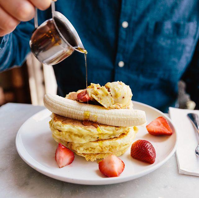 Pancakes met maple syrup