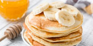 Pancakes with banana and honey