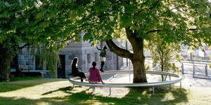 Ad Aarhus Ronan e Erwan Bouroullec progettano 4 sedute pubbliche pensate per rendere accogliente e conviviale lo spazio urbano