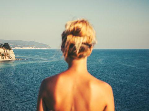 Hair, Sky, Sea, Shoulder, Hairstyle, Summer, Human, Vacation, Neck, Back,