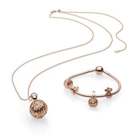 Jewellery, Fashion accessory, Body jewelry, Necklace, Silver, Jewelry making, Gemstone, Circle, Chain, Metal,
