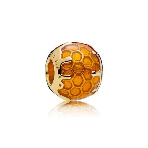 23f43eeb64bc Pandora Shine  la nueva línea de Pandora donde el oro es el ...