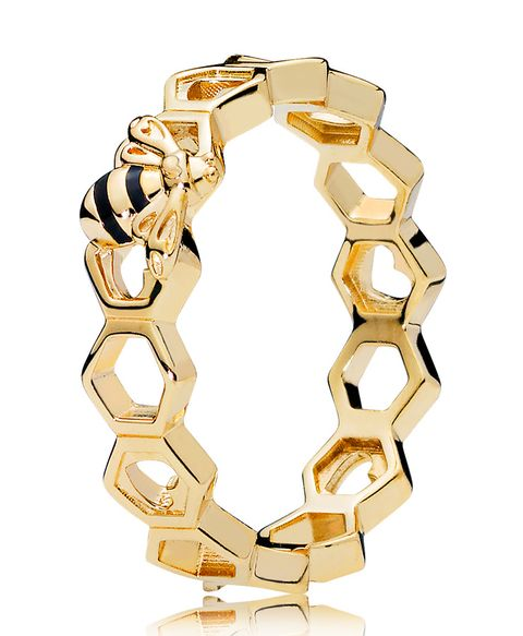 Chain, Fashion accessory, Jewellery, Bracelet, Yellow, Metal, Ring, Gold, Engagement ring, Bangle,