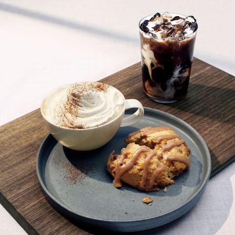 Dish, Food, Cuisine, Ingredient, Dessert, Cream, Whipped cream, Affogato, Hot chocolate, Drink,