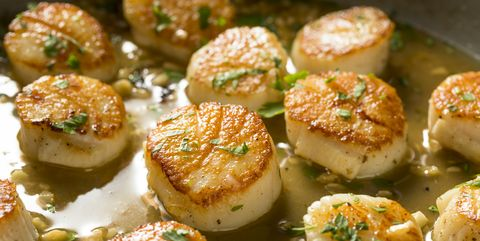Panned Seared Scallops in Broth