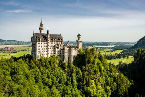 18 Most Beautiful Castles In The World Famous Palaces To Visit