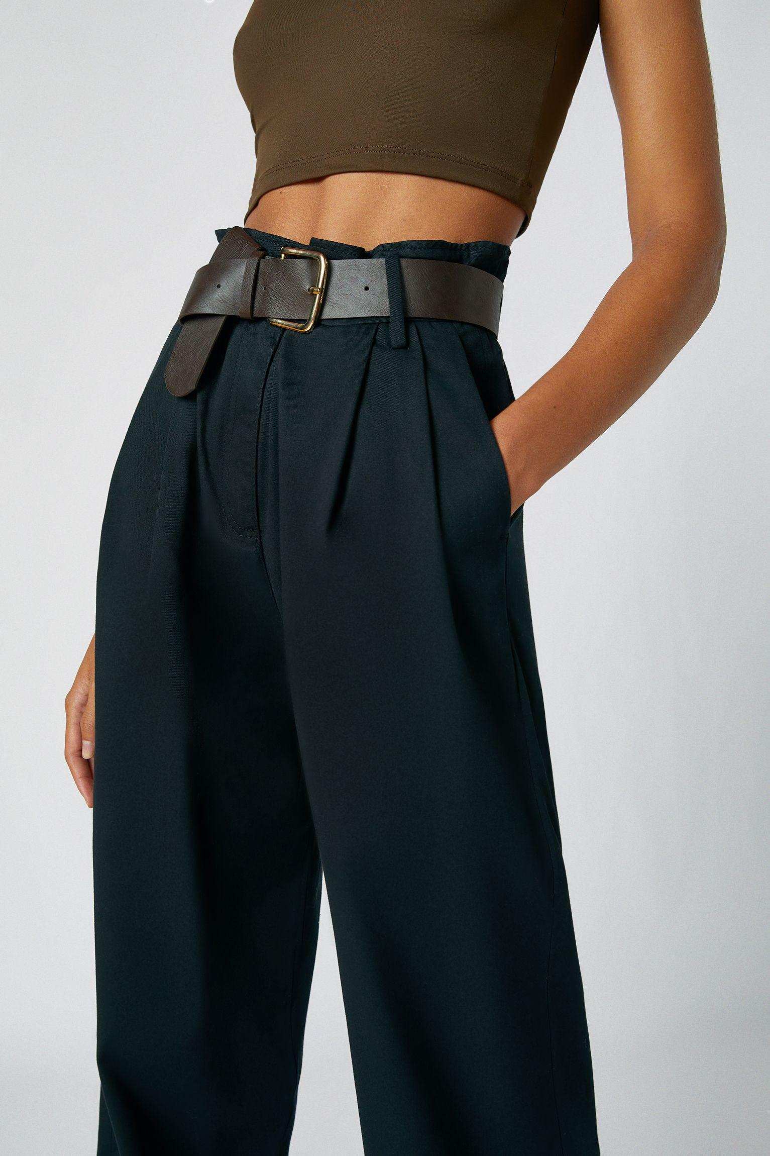 Pull Bear Tiene Un Nuevo Pantalon Ancho De Vestir Espectacular