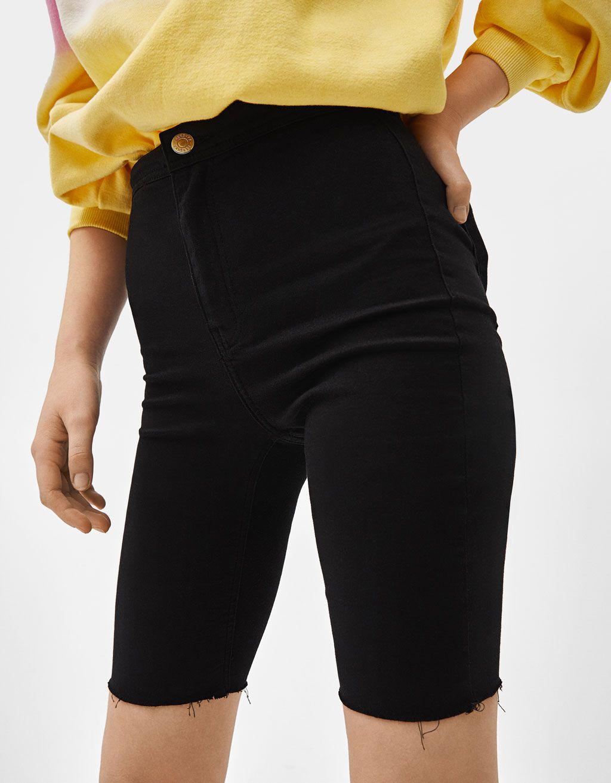 Flipa con estos pantalones para ir a trabajar de Zara: son