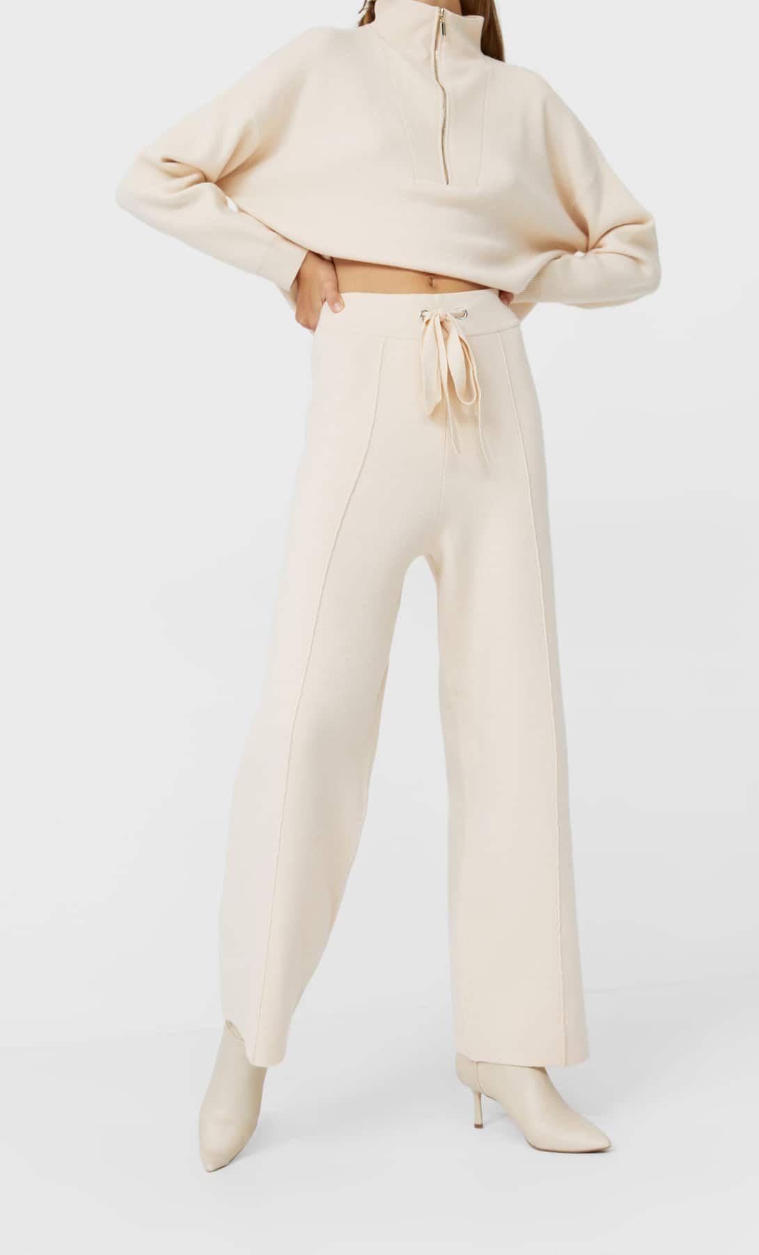 El Pantalon De Punto Blanco De Stradivarius Que Sienta Genial