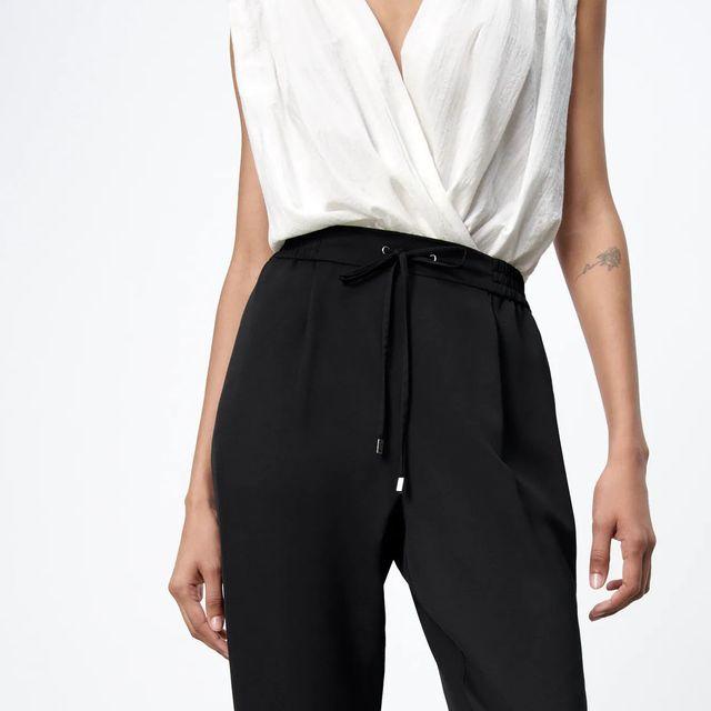 pantalones negros de uniforme de zara