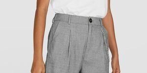 pantalon pinzas gris barato stradivarius