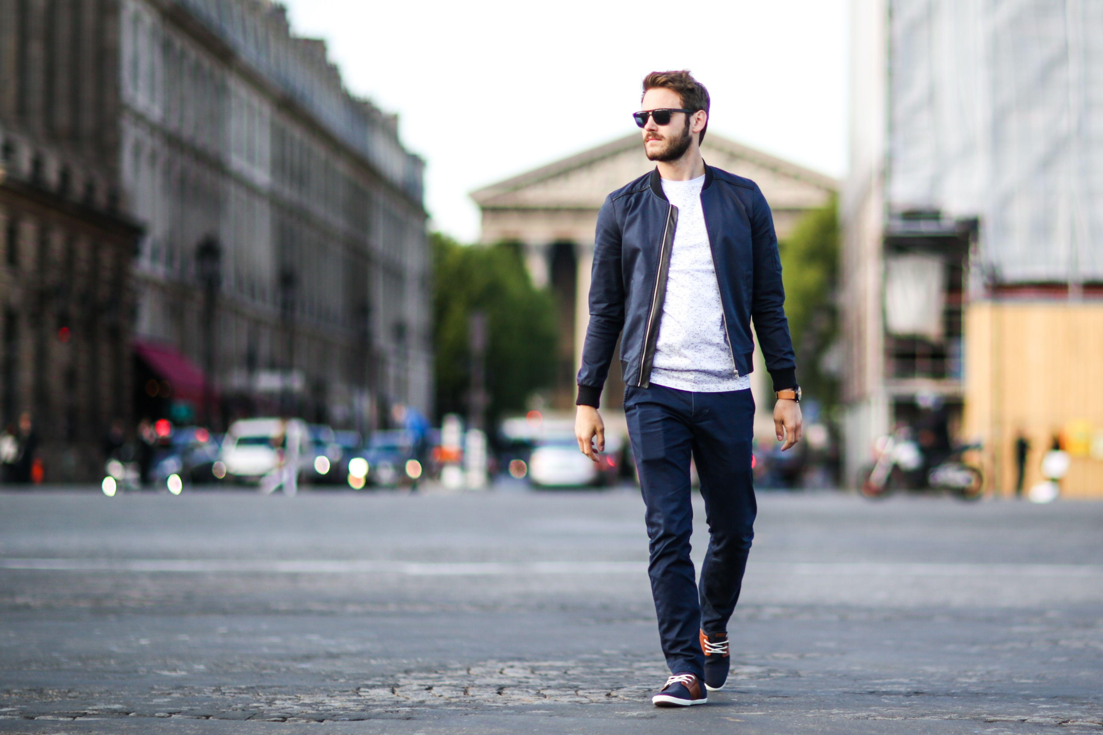 new style 8ca6f 825d9 Chino: i pantaloni uomo dell'estate 2018 sono da abbinare così