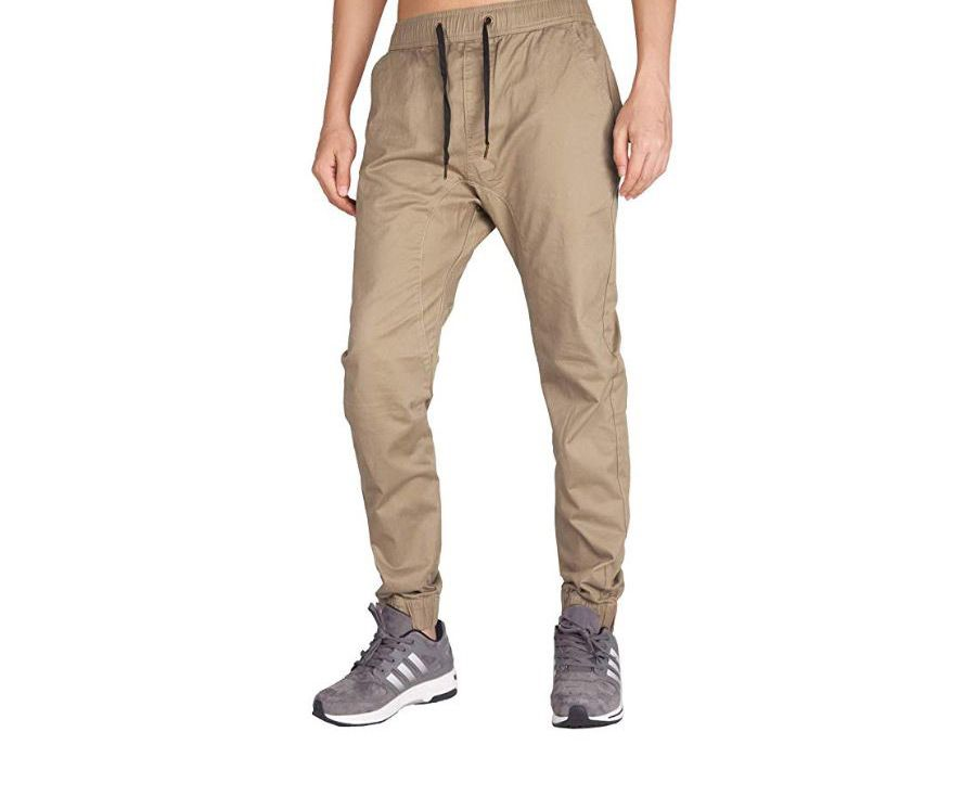 10 pantaloni uomo dal mood sportivo da indossare subito