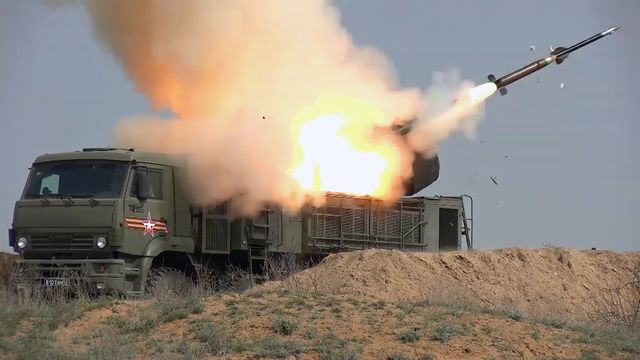 russia uses pantsir missile system in military drill simulating response to enemy attack