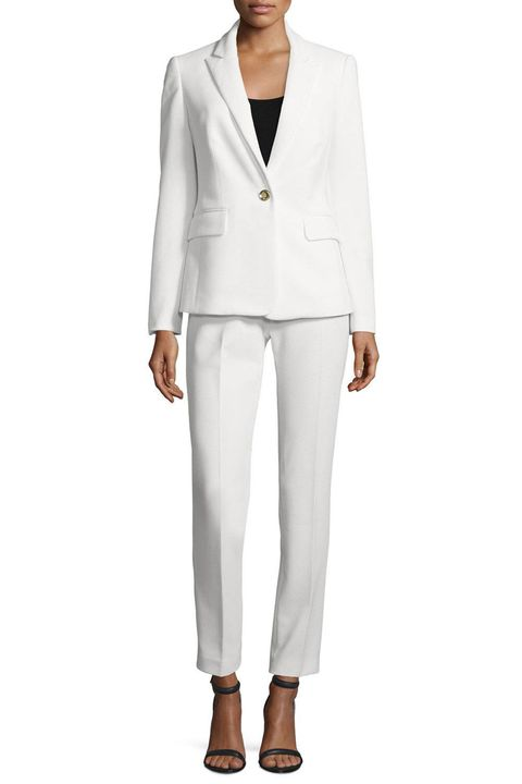 Sleeve, Collar, Shoulder, Standing, Joint, Outerwear, White, Coat, Formal wear, Style,