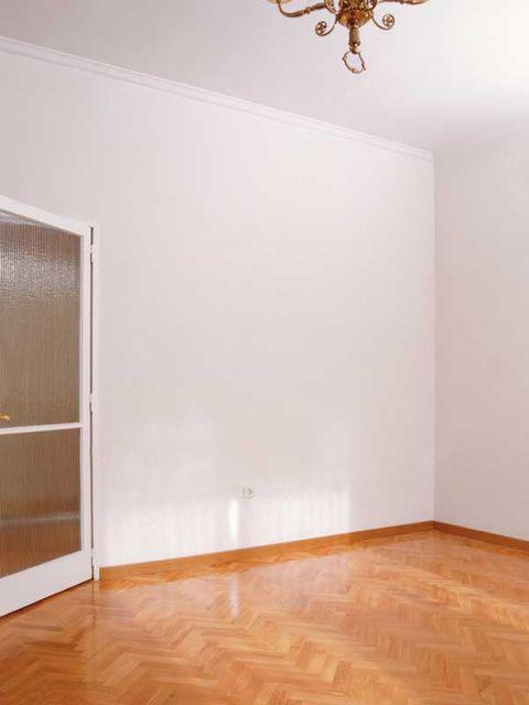 Floor, Room, Laminate flooring, Property, Wood flooring, Wall, Hardwood, Ceiling, Flooring, Wood,