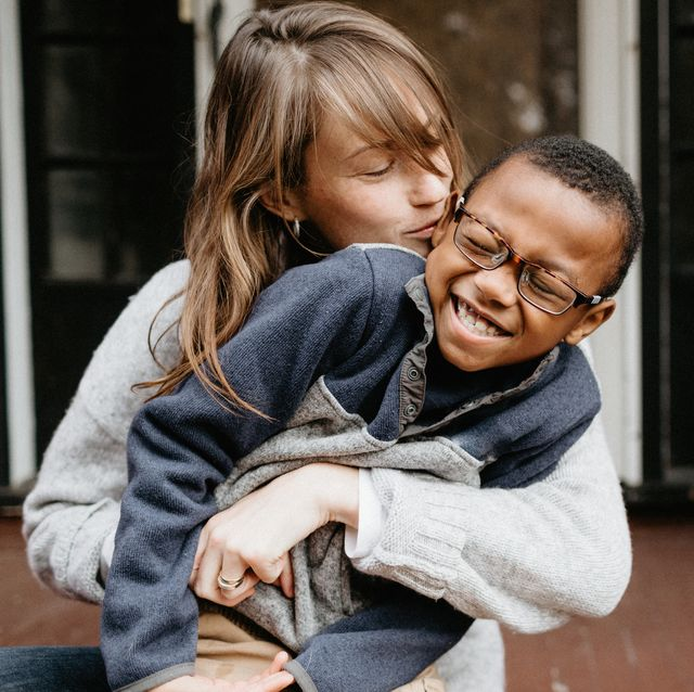 parenting trends avoid smiling