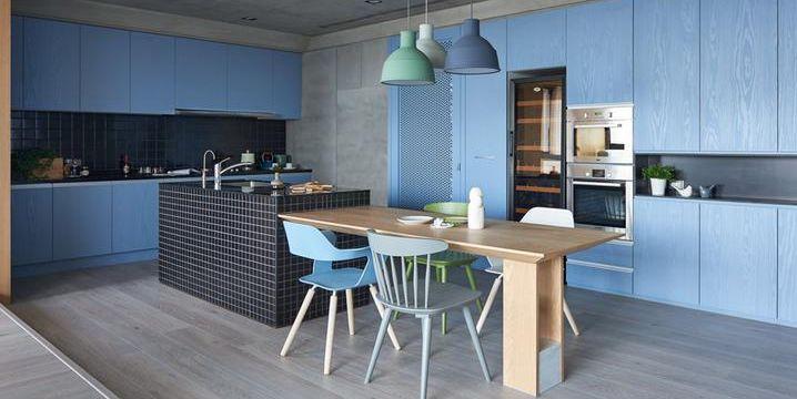 Pareti colorate di blu e nascondigli segreti una casa - Nascondigli segreti in casa ...