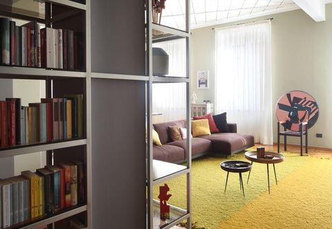 Pareti colorate e mobili moderni: una ristrutturazione a ...