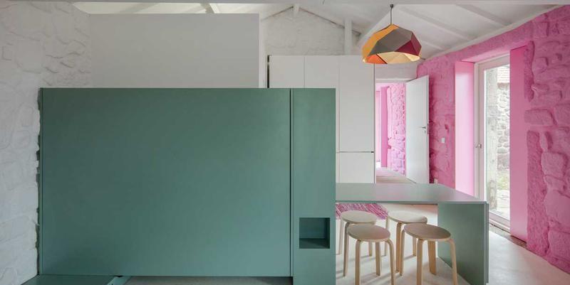 Pareti colorate per il restyling di una casa country - Pareti colorate in casa ...