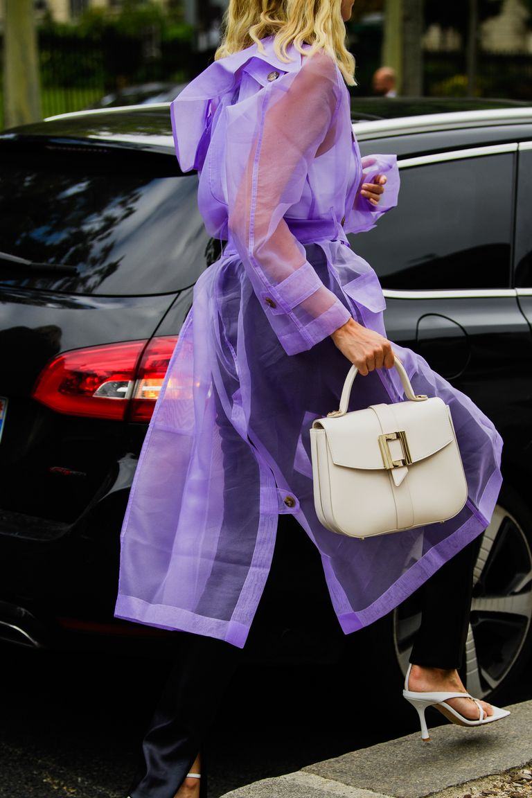 https://hips.hearstapps.com/hmg-prod.s3.amazonaws.com/images/paris-fashion-week-pfw-street-style-ss20-day-3-by-tyler-joe-070-1569589471.jpg?crop=1xw:1xh;center,top&resize=768:*