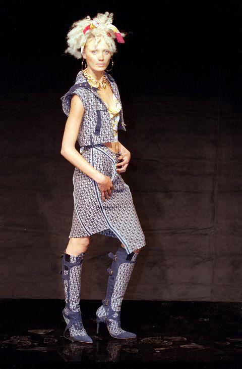 paris fashion week spring summer 2000 christian dior