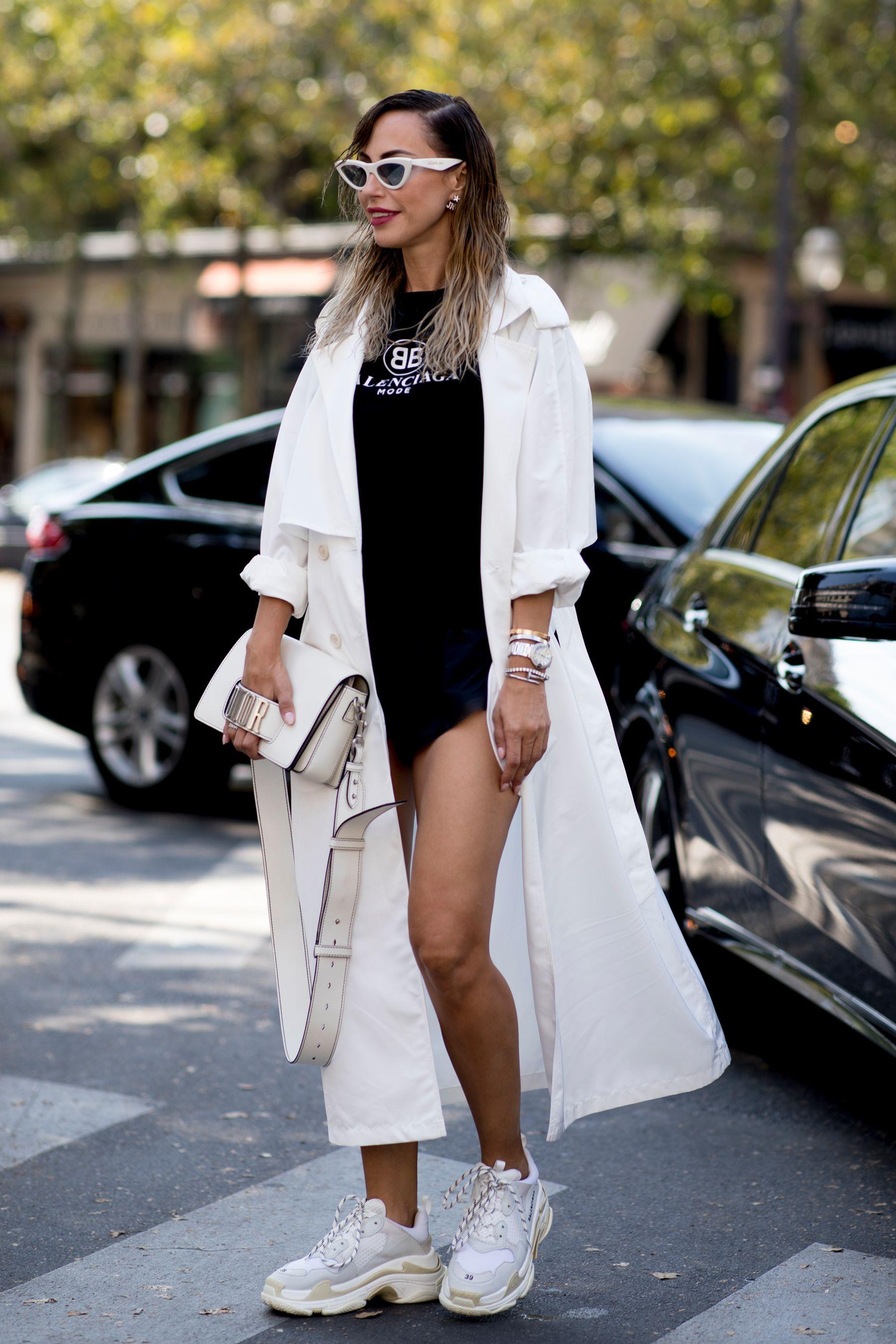 Prendas blancas de armario de verano Looks con prendas blancas