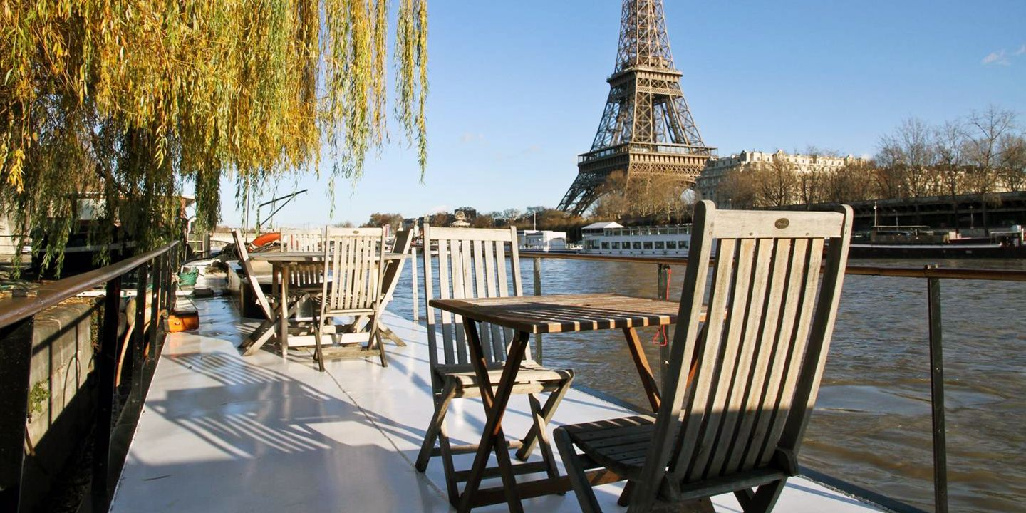 Eiffel Tower House Boat rental — Paris, France
