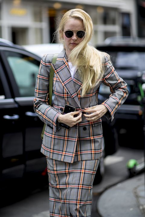 Plaid, Tartan, Street fashion, Clothing, Pattern, Eyewear, Fashion, Sunglasses, Blond, Yellow,