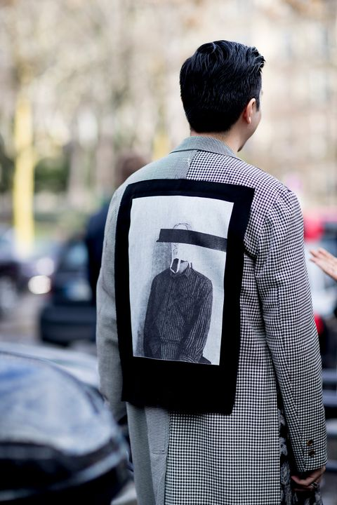 Street fashion, Fashion, Black-and-white, Shoulder, Human, Cool, T-shirt, Photography, Outerwear, Backpack,