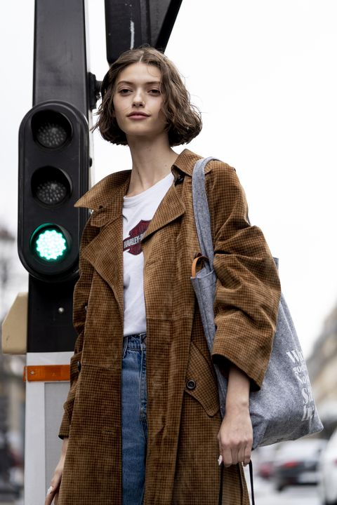 Street fashion, Fashion, Fur, Outerwear, Coat, Photography, Technology, Audio equipment, Fur clothing, Model,