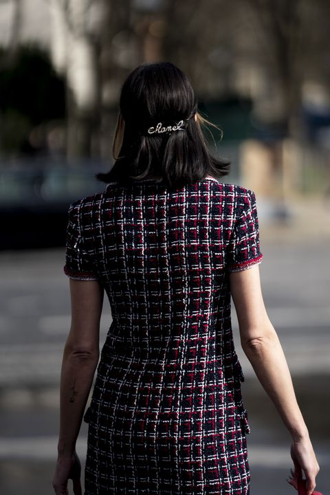 Plaid, Shoulder, Clothing, Black, Pattern, Tartan, Street fashion, Dress, Fashion, Beauty,