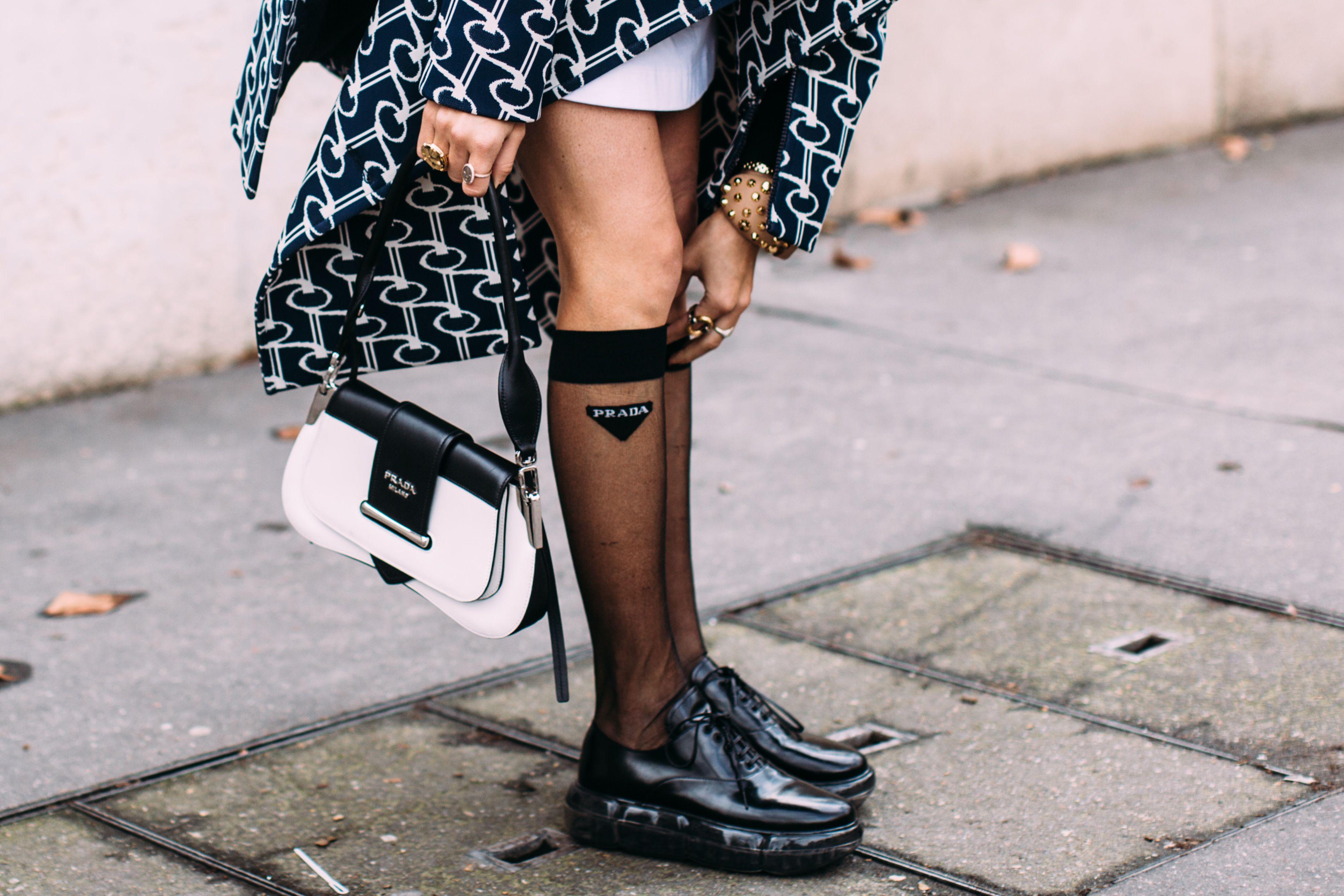 scarpe originali foto ufficiali prodotti di qualità Come mettere i collant in estate secondo il galateo
