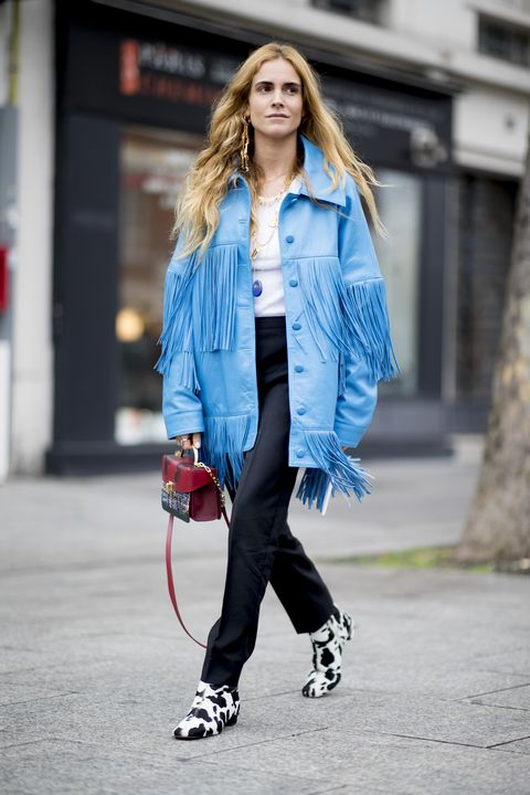 Come abbinare il blu, come indossare il blu, come vestirsi di blu, colore Pantone 2020, blu colore pantone 2020, abbinamenti colori e vestiti, come abbinare i colori nell abbigliamento