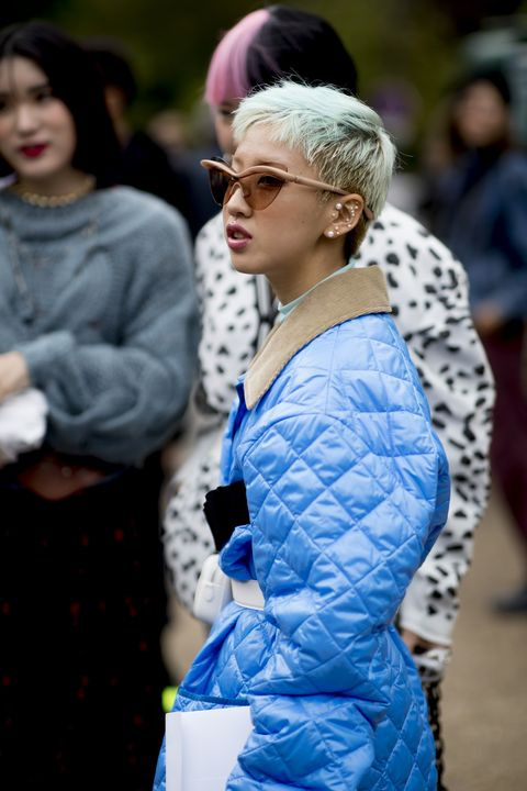 Blue, Street fashion, People, Fashion, Yellow, Beauty, Fur, Hairstyle, Cobalt blue, Outerwear,