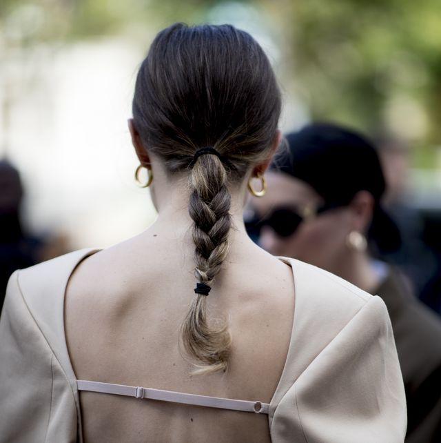 Hair, Hairstyle, Shoulder, Back, Fashion, Street fashion, Chignon, Neck, Bun, Black hair,