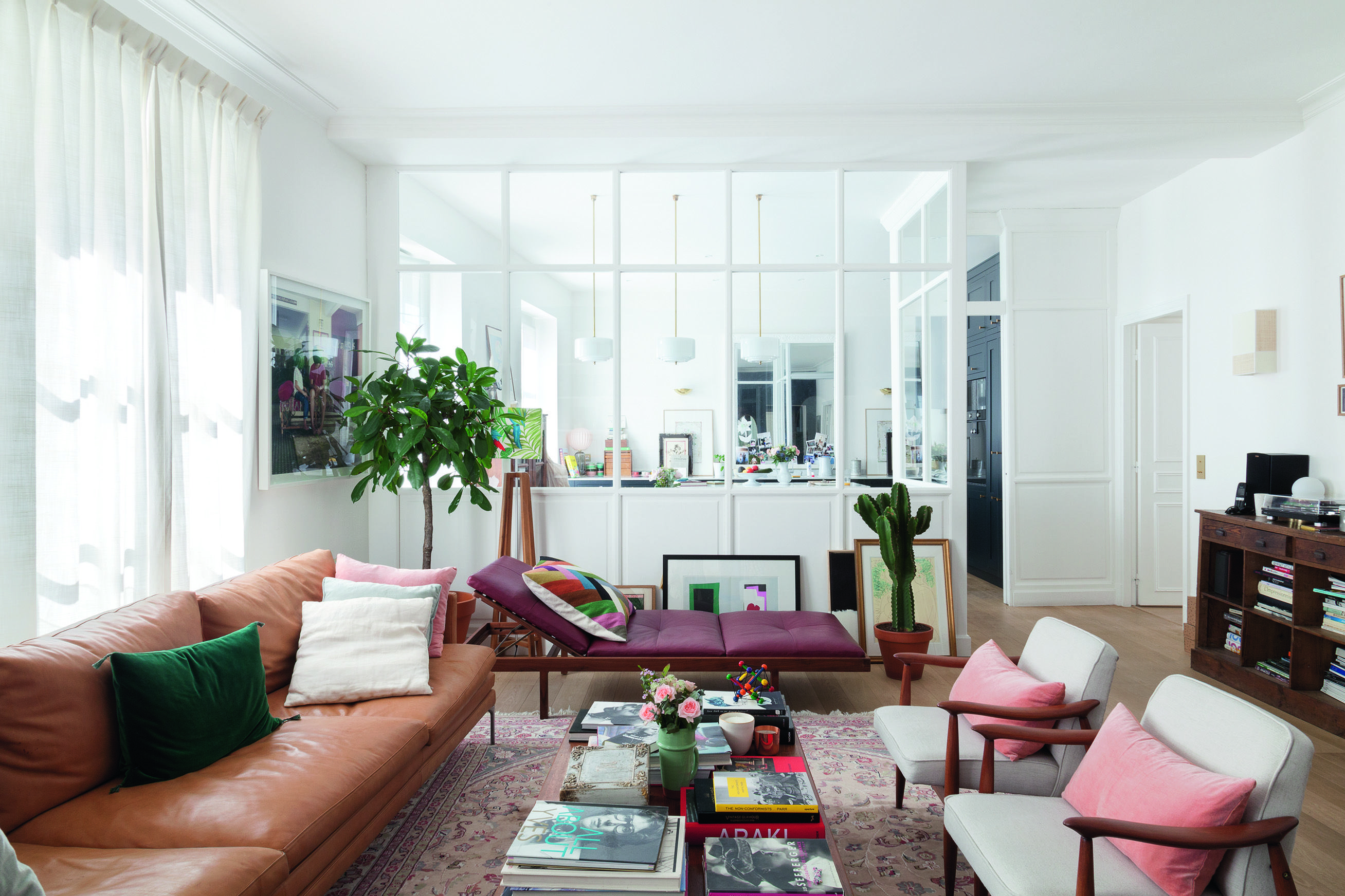 Parisian Chic at Home book