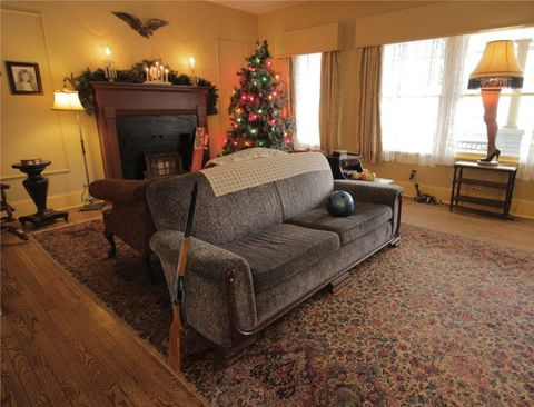 The Christmas Story House Details How To Visit The House From A Christmas Story Movie